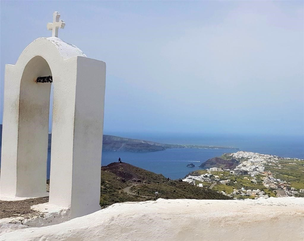 Hiking in Santorini, Santorini, Greek islands, Greece, backpacking Greece, Santorini, Backpacking Greece |The best islands for backpackers