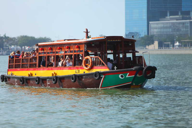 Singapore River Cruise Tour, Travels With Eden, Singapore, Asia, Things to do in Singapore| The Ultimate Guide