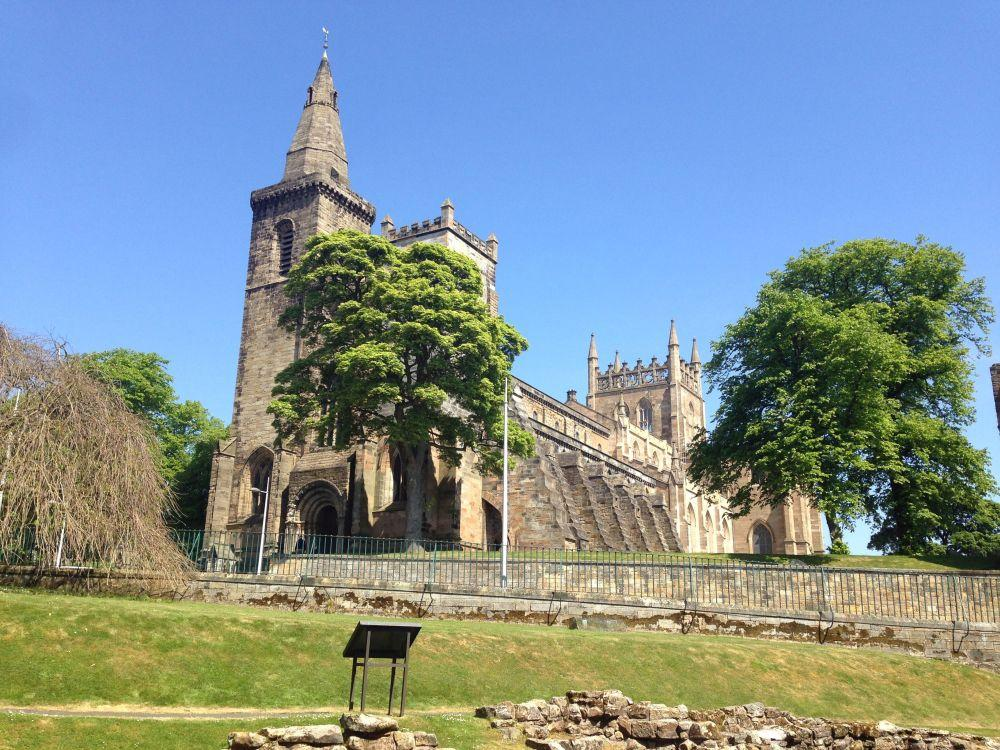best places to visit in Scotland | Travels With Eden Blog |Dunfermline Abbey and Palace
