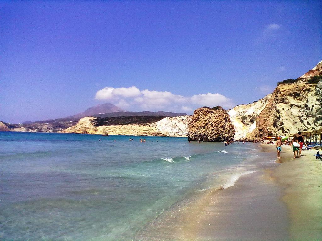 best beaches in Greece for families, Firiplaka, Milos