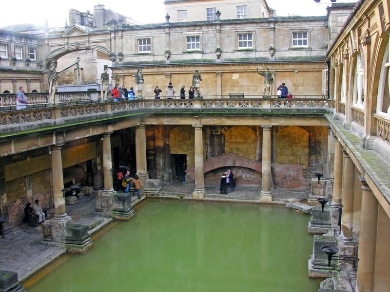 bath, roman baths, day trip from bristol