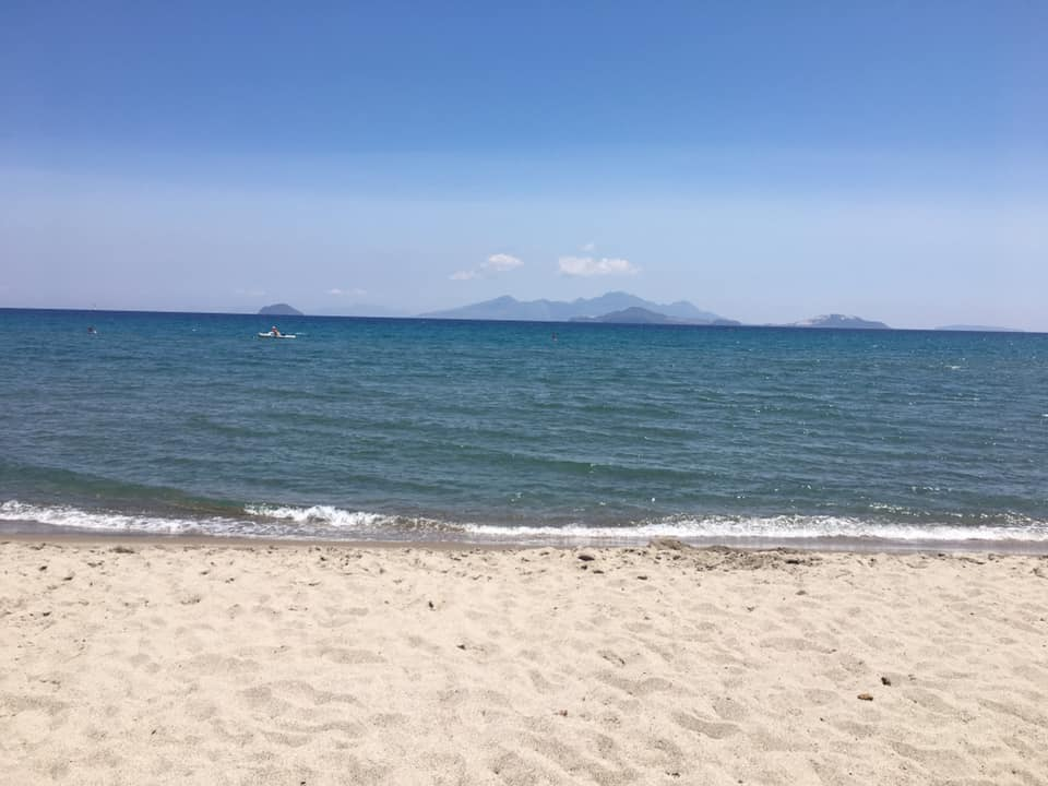 best greek islands for families, best beaches in greece for families, agios prokopios, naxos, cyclades