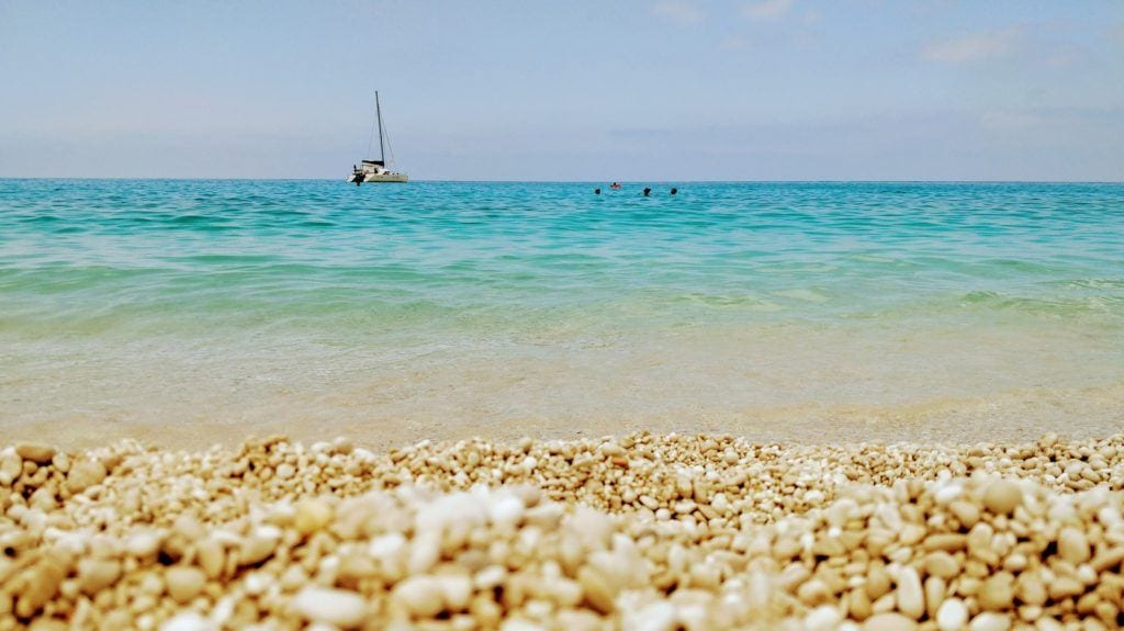 kefalonia clear sea, kefalonia boat, kefalonia sand, things to do in kefalonia