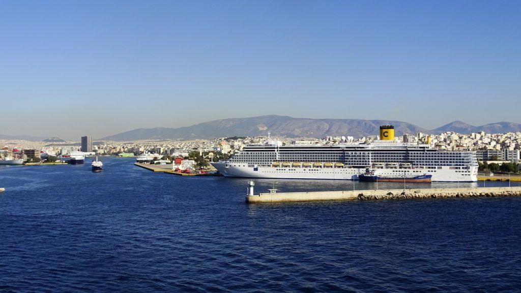 Athens to naxos, Piraeus port