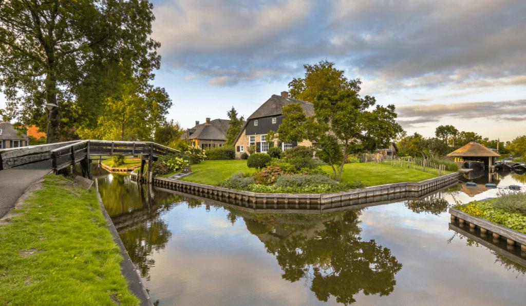 Village-of-Giethoorn