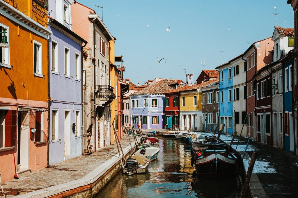 colorful, houses, canal, most beautiful cities in Italy, Venice with kids